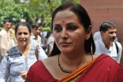 Jaya Prada in UP Film Council with cabinet rank, days after Amar Singh threatens to quit Samajwadi Party