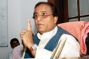 Azam Khan blames 'one single outsider' for Samajwadi Party feud