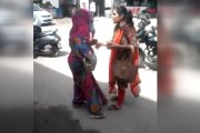 Watch: Woman catches female pickpocketer who stole her purse
