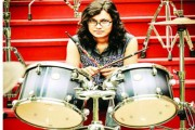 Neemuch girl plays drum for 31 hours, breaks world record