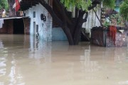 Over 300 dead, 6 million affected by floods in MP, Bihar, UP, Raj, Uttarkhand