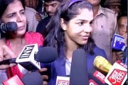 CM Khattar felicitates Olympics medalist Sakshi Malik makes her brand ambassador for 'Beti bachao' campaign