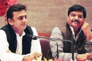 Shivpal and Akhilesh Yadav drive in one vehicle to meet ailing Mulayam