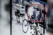 Caught on camera : Man kidnaps minor girl from a crowded market