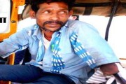 Inspiring: Shahdol man, who lost both arms in an accident, drives auto-rickshaw to earn living