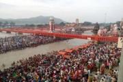 Somvati Amavasya: Pilgrims take holy dip at Haridwar's Har ki Pauri