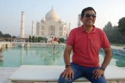 Chef Sanjeev Kapoor enthralls food lovers in Agra