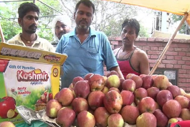 One of the fruit vendors said that the apples with anti-India messages were purportedly sent to vent out a frustration following India's surgical strike along the LoC.